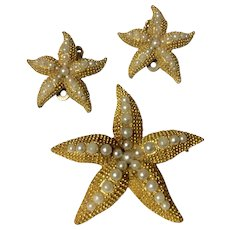 Vintage Gold Tone Metal Faux Seed Pearl Textured Starfish Brooch & Earrings