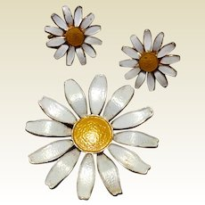 Vintage Enamel  Accessocraft Daisy Brooch & Clip Earrings