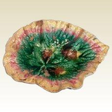 Etruscan Majolica Begonia Leaf Plate