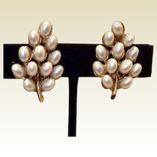 Vintage ART Gold Tone Metal Faux Pearl Clip  Earrings