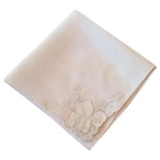 Vintage White Hankie With White Applied Flower & Embroidered Détail