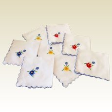 Vintage Set Of Eight Hand Embroidered Luncheon Napkins