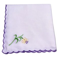 Vintage White Hankie With Scalloped Edge & Embroidered Flower