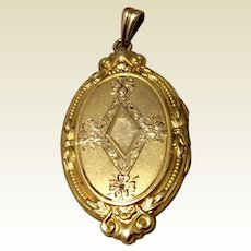 Vintage Gold Shell Double Photo Locket