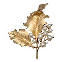 Simulated Pearl Rhinestone Leaf Brooch Crown Trifari