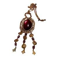 Art Deco Gold Tone Faux Amber Pendant Necklace