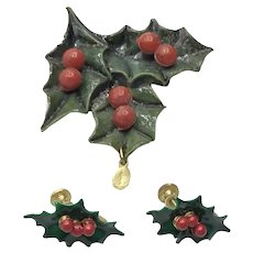 Hard Plastic Holly Leaf & Berries Brooch & Earrings Miraculous Medal