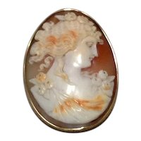 Large 14K Oval Hand Carved Conch Shell Cameo Brooch Pendant