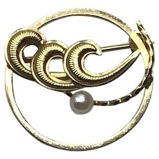 Gold Filled Circle Brooch With Faux Pearl