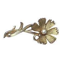 Gold Tone Faux Pearl Flower Brooch