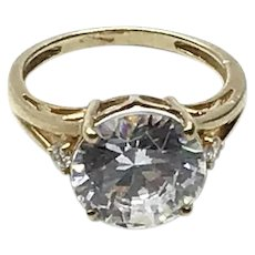 14K Gold Clear Sparkling CZ Solitaire Ring Size  5 1/4