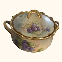 Hand painted Victorian Bowl w/lid ec