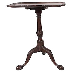 Fine Antique 18th century George III Carved Mahogany Tilt Top Pie Crust Occasional Tray Table