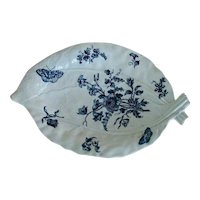 Large Antique 18th century Worcester Leaf Form Dish in Blue & White