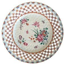 Antique 18th century Chinese Export Porcelain Plate in Famille Rose Glaze with Reticulated Basketweave Border