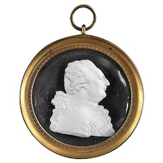 Antique Early 19th century French Empire Desprez Sulphide Glass Cameo of Louis XVI in Gilt Bronze Frame