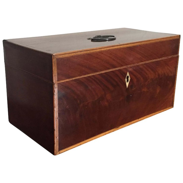 Large Antique American Federal Flame Mahogany Tea Caddy or Desk Box 1810 - Large Antique American Federal Flame Mahogany Tea Caddy Or Desk Box
