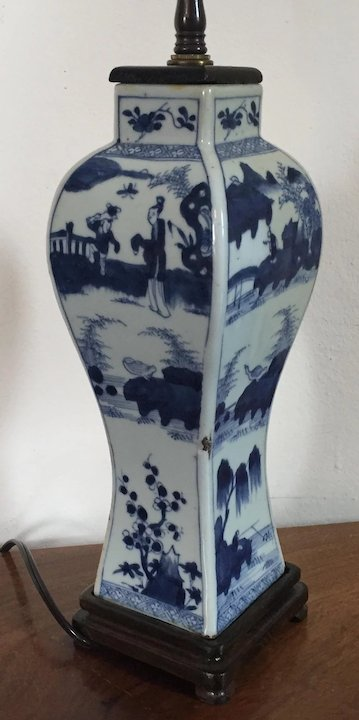 Antique 19th Century Chinese Blue White Porcelain Vase Decorated