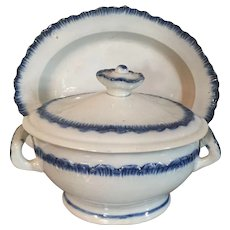 Early 19th century English Georgian Leeds Pearlware Blue Feather Edge Sauce Tureen and Undertray Platter 1800