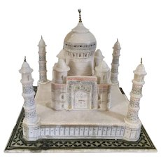 Antique Late 19th century Grand Tour Souvenir from India - Carved Alabaster Marble and Paint Decorated Architectural Model of the Taj Mahal