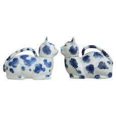Large Pair Antique Qing Dynasty 18th / 19th century Chinese Export Porcelain Blue & White Cat Form Ewers or Bourdaloue and Cover