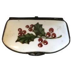 Antique 19th century Continental Porcelain Hinged Pill or Patch Box Decorated with Hand Painted Holly Sprig