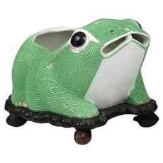 Large Antique Early 20th century Chinese Export Porcelain Frog Cachepot Planter or Flower Pot in Bright Green on Conforming Carved Wood Lily Pad Stand