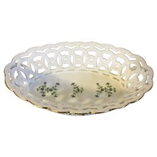 Antique 18th century French Empire Old Paris Porcelain Dihl et Guerhard Sprig Cornflower Reticulated Oval Basket or Corbeille 1790 - 1800