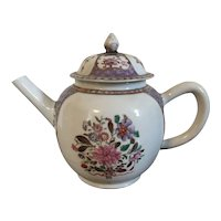 Antique 18th century Chinese Export Porcelain Tea Pot in Famille Rose Palette