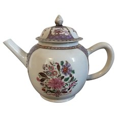 Antique 18th century Chinese Export Porcelain Tea Pot in Famille Rose Palette