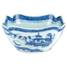 Antique 19th century Chinese Export Canton Porcelain Blue & White Centerpiece Fruit Bowl