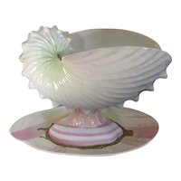 Antique 19th century Wedgwood Creamware Pearlware Nautilus Shell Tureen Centerpiece or Vase on Clam Stand