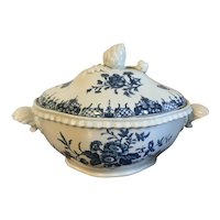 Antique 18th century Worcester Porcelain Quatrefoil Tureen with Artichoke Knop Decorated with Blue Flowers and Butterflies in the Chinese Taste