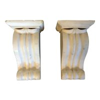 Fine Pair 19th century American Classical Corbel Wall Bracket Shelves of Carved White Statuary Marble for Bust or Vase