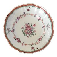 Antique 18th century Chinese Export Porcelain Saucer Dish in Famille Rose Glaze 1780