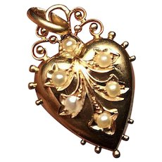 14K Gold Victorian seed pearl heart locket… Secret compartment on back
