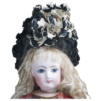 """Antique  French Original Wire Framed Hat Bonnet in the Box, for fashion doll Jumeau Bru Huret Rohmer Gaultier and other about 17-18"""" tall, c.1880"""
