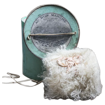 "Antique French Original White Mohair Muff in Original Green Box Au Bon Marche, Paris, c.1890, for Jumeau Bru Steiner Gaultier E.J. Eden bebe doll about 25-26"" tall"