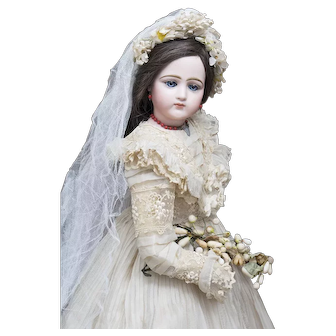 """23"""" (58cm) Antique French Portrait Jumeau Fashion Poupee doll in original wedding gown and wooden box"""