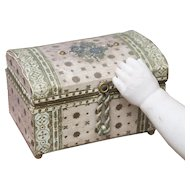 Antique French  All original Dome Top Doll Trunk  Case Box for Fashion doll, mignonette or bebe - Paris, c.1890