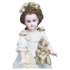 """17 1/2"""" (45cm) Antique French Jumeau bebe Reclame doll with closed mouth, size 7"""