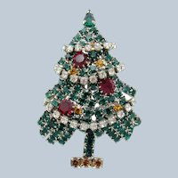 Vintage Christmas in July Tree Rhinestones w Clear Rhinestone Garland Brooch Pin