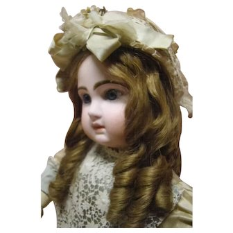 25.5 In. Sz 12 Ravishing Blue-Eyed Closed Mouth French Tete Jumeau
