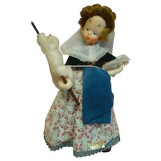 """Original, Near Mint, Cloth Klumpe Character Lady Doll from Spain, Gold Tag with """"Klumpe Patentado"""""""