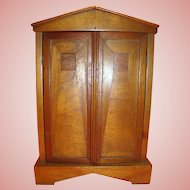 15-1/2 Inch Linen Closet for a 14-16 Inch French Fashion or Other Antique Doll