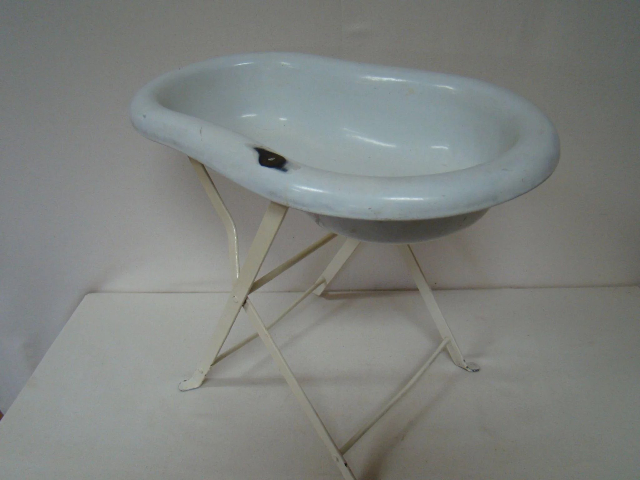 Bathing Tub for Antique or Vintage Baby Dolls, Folding Stand : A ...