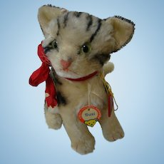 Steiff Cat Susi with Paper Steiff Tag and FAO Schwarz Tag, Large Size 8 Inches Seated