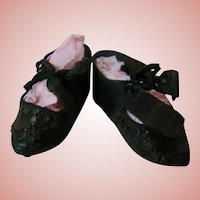Pair of Nice French Bebe Shoes, Size 8, Black Leather with Original Ribbon Ties