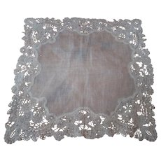 Delicate Lace Trimmed Linen Handkerchief, Early 20th Century