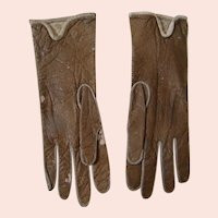 4 Inch Pair of Tan Leather Gloves, Ecru Stitching, for French Fashion Poupee